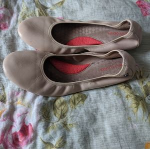 Hush Puppies ballet flats in cream leather
